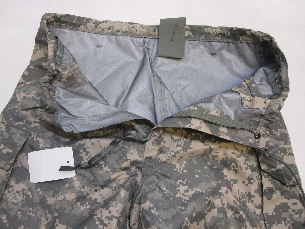 ARMY ISSUE ACU DIGITAL GORE-TEX COLD/WET WEATHER TROUSER MEDIUM/REGULAR PANTS B0