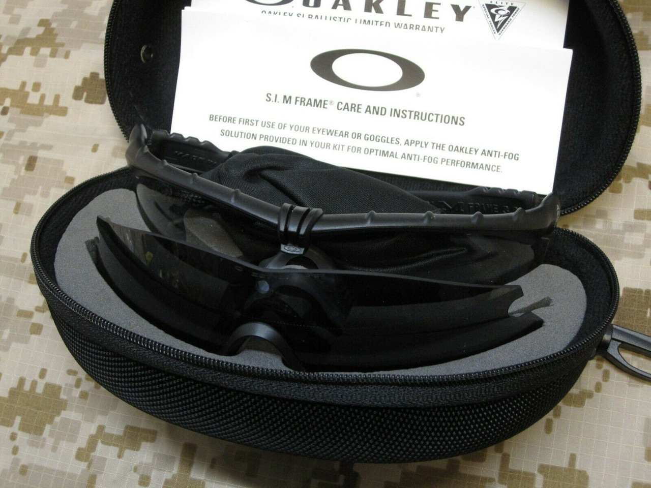 OAKLEY SI SHATTERPROOF M FRAME 3.0 CLEAR/DARK LENS MILITARY GLASSES STRIKE II