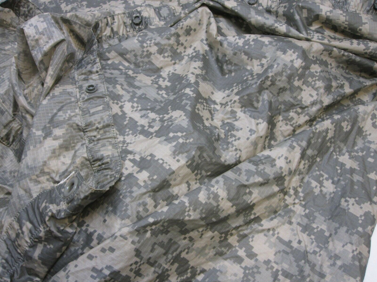 USGI ARMY ISSUE RAIN PONCHO WET WEATHER GEAR ACU DIGITAL UCP 8405-01-547-2555