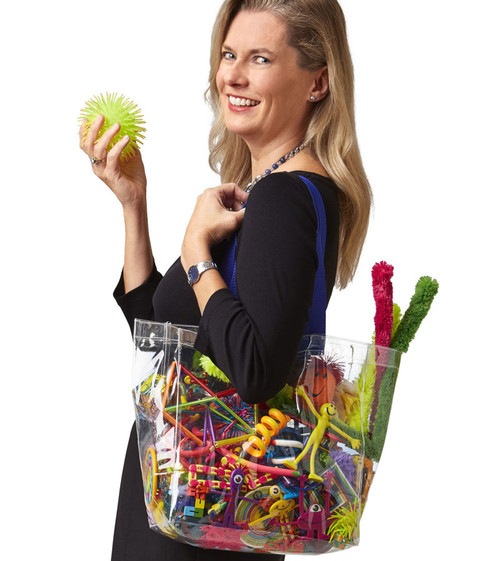 Kitchen Sink Fiddle Set; woman holding set in bag