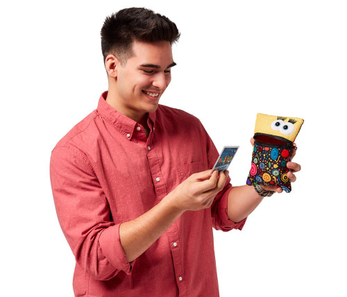 Man reading UNZiP-it! with Be A Leader Card