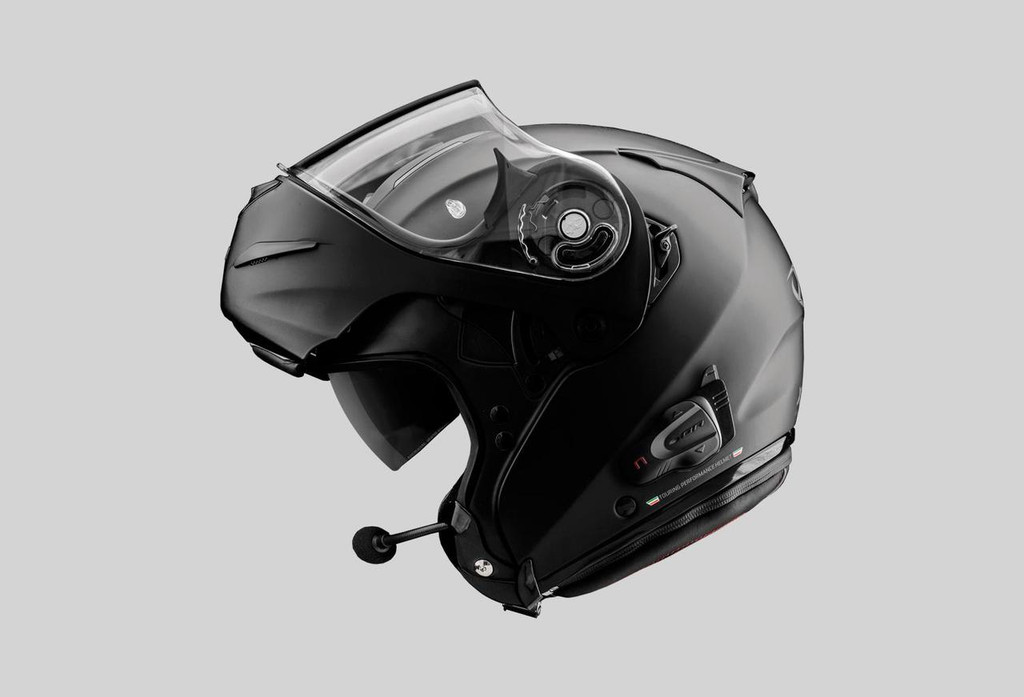 B901-K in helmet