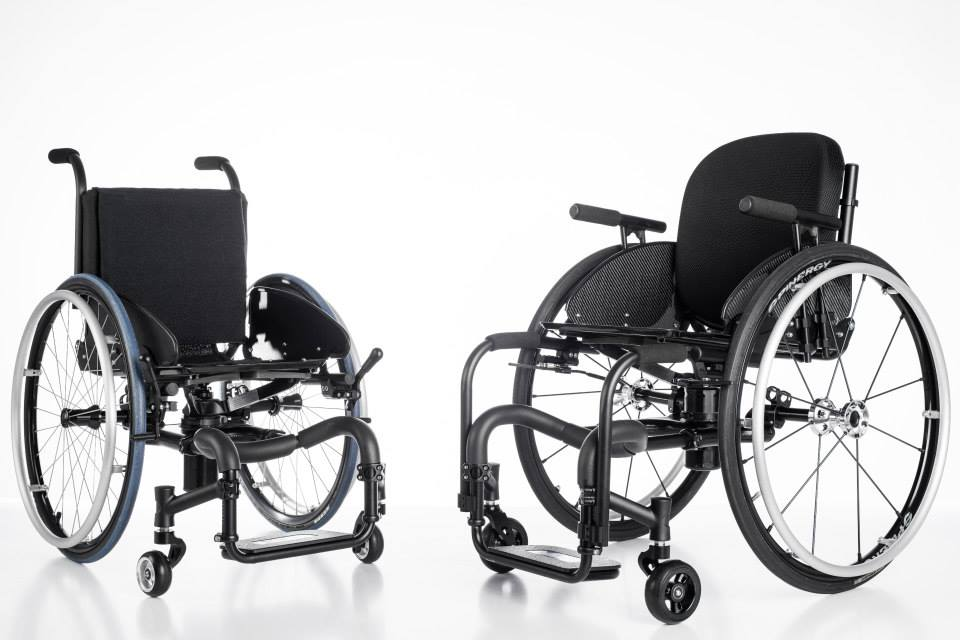icon-wheelchairs-living-spinal.jpg