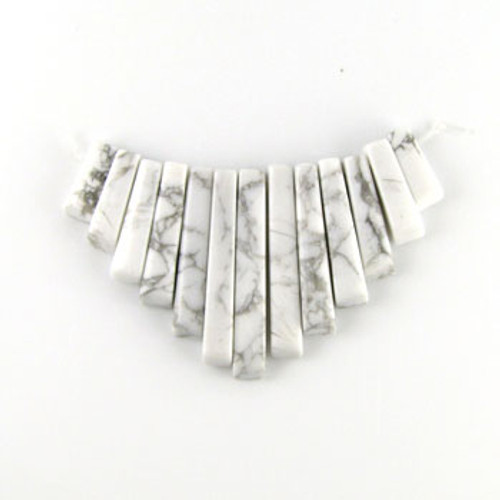 CL0004 - Howlite, White/Natural Semi-Precious Stone Collar (13 pieces)