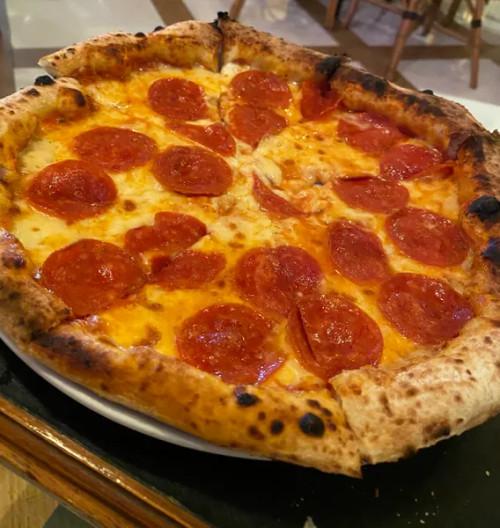 3X MASA MAESTRO PEPERONI PIZZA FROZEN  MOZARELLA DE ITALIA Y PASSATA MAESTRO PIZZA