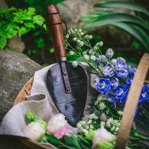 Hand_Forged_Garden_Trowel_in_Garden