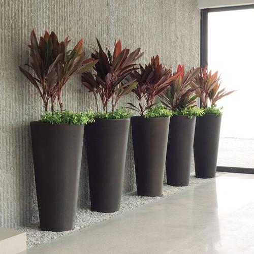 Bleeker Planters Inside