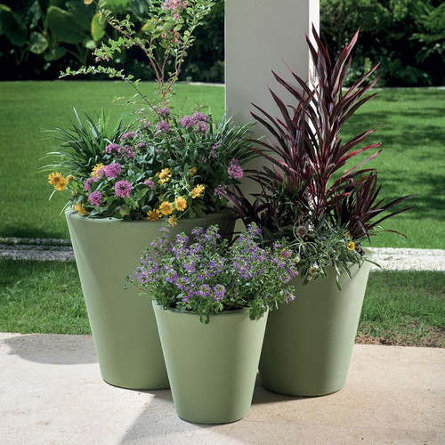 Madison Planters Outside