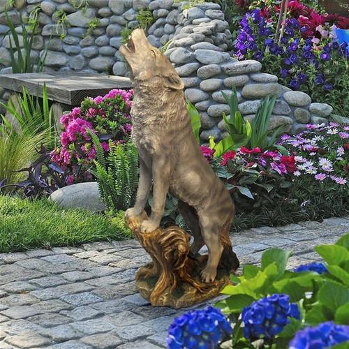 Howling Lone Wolf Garden Statue in the Garden