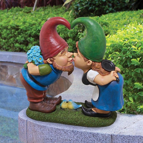 Kiss Tell Lover Gnomes Statue in the Garden