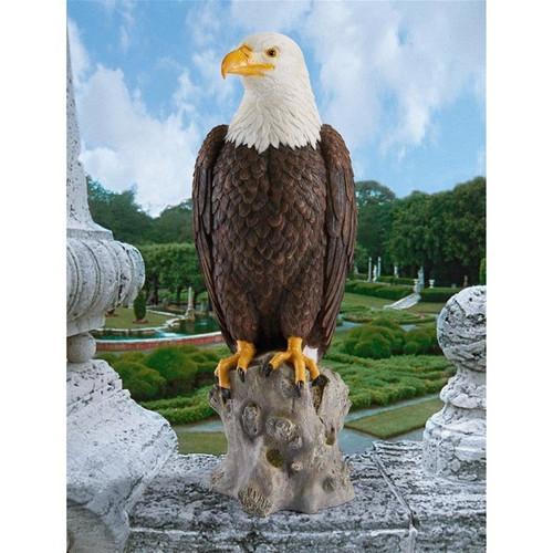 Majestic Mountain Eagle Statue in the Garden