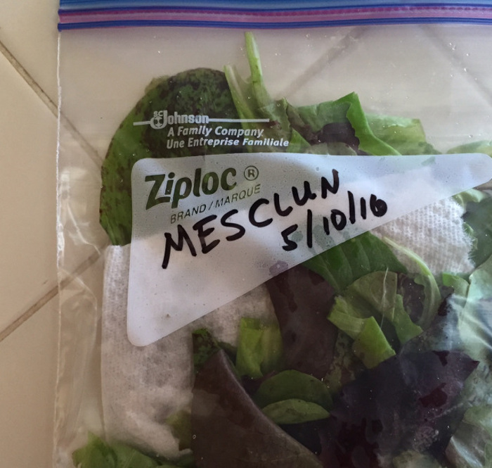 bagged-leafy-greens-with-a-paper-towel.jpg