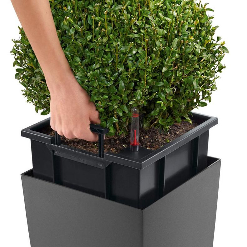 cubico-alto-tall-square-planter-liner.jpg