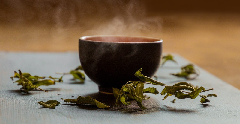 herbal-bergamot-and-oswego-tea-with-bee-balm-in-it.jpg