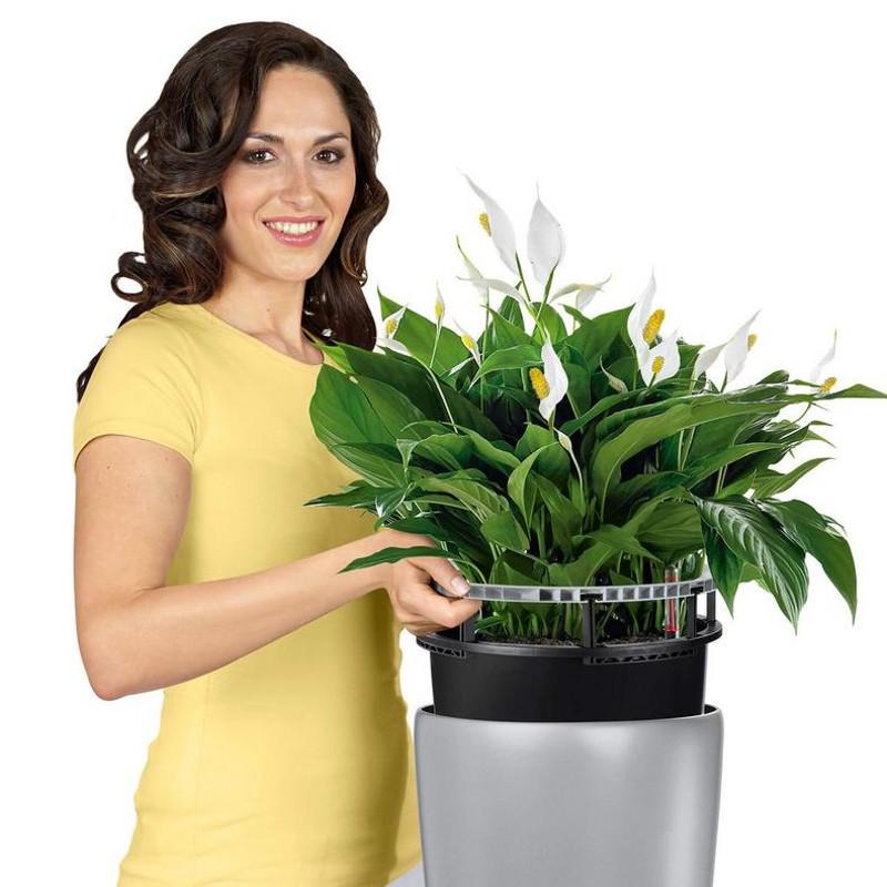 rondo-tall-round-planter-liner.jpg