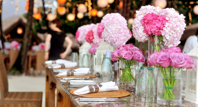rose-flower-table-centerpieces.jpg