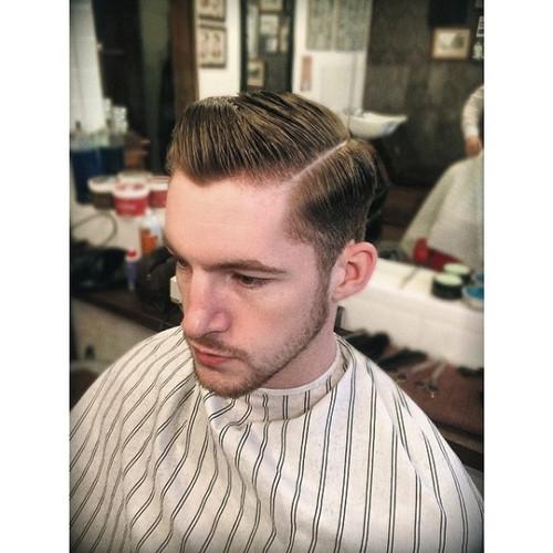Hi Lift Deluxe Barber Cape