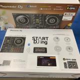 Start DJing with the Pioneer DJ DDJ-200!