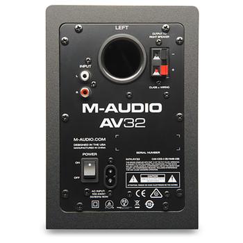 AV32 back