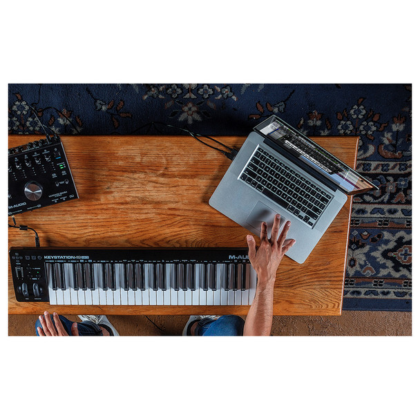 Keystation 49 MK3 supports iOS connectivity with the Apple Lightning to USB Camera Adapter (sold separately), enabling you to perform and compose with audio apps on your iPad and other iOS devices.