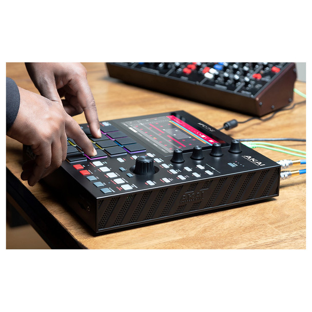 """FULL CONTROL MPC ONE delivers a truly empowering hands-on experience, ready for any music production task. Edit and trim samples with hand gestures on the brilliant 7"""" touch screen display. Express your ideas perfectly with the assigned knobs and touch keys that eliminate diving through pages of menus."""