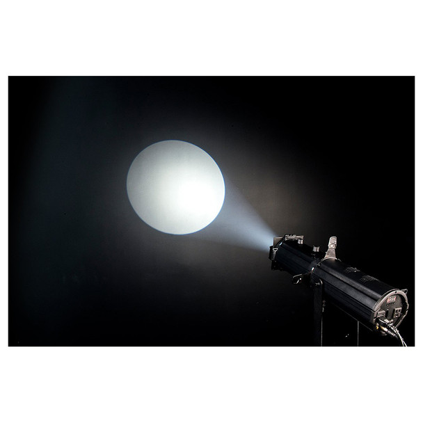 EVE E-50Z LED Ellipsoidal shining onto dark wall white spot
