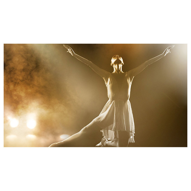 dancer on stage in dress surrounded by fog and lit up by SlimPAR Pro W USB