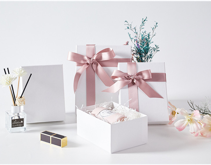 White Elegant Gift Box