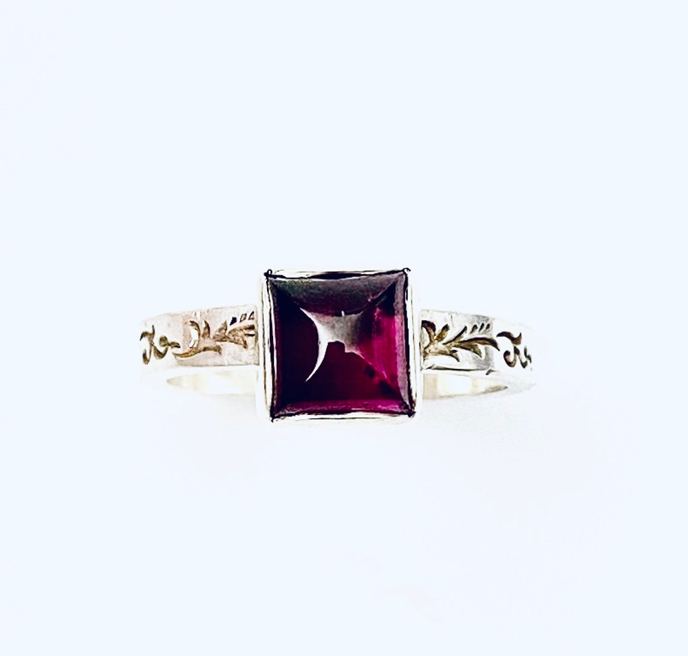 Sterling silver stackable ring with Garnet square cabochon