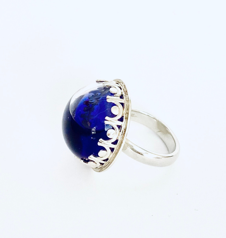 Sterling silver ring filled with deep purple liquid - size 6 3/4