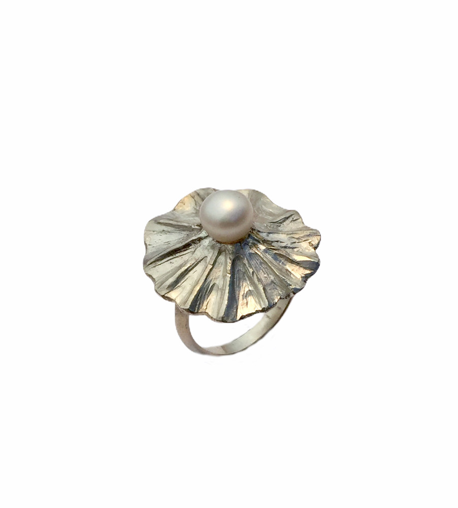 Sterling silver and pearl ring