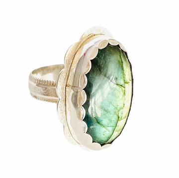 Sterling silver ring with oval green Labradorite - size 9 3/4