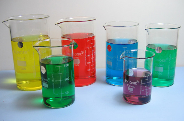 100ML, BOROSILICATE GLASS Low FORM BEAKERS AUTOCLAVABLE, GRADUATED WITH SPOUT