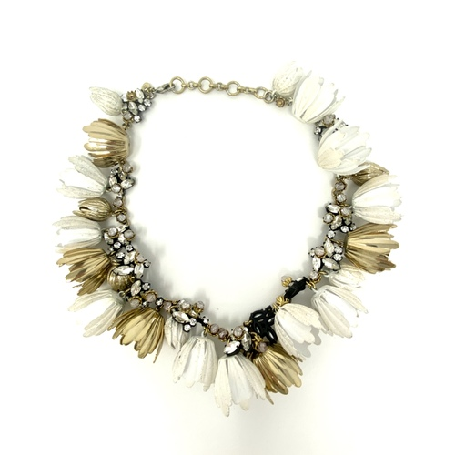 Closed Buds Flower Choker- Thumbnail