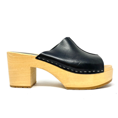 Swedish Hasbeens Mule Clogs- Right