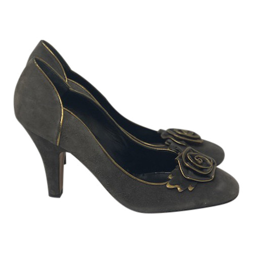 Moschino Cheap and Chic Gilded Rose Pumps-Right