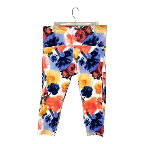 Marika Blur Flower Capri Legging- Front