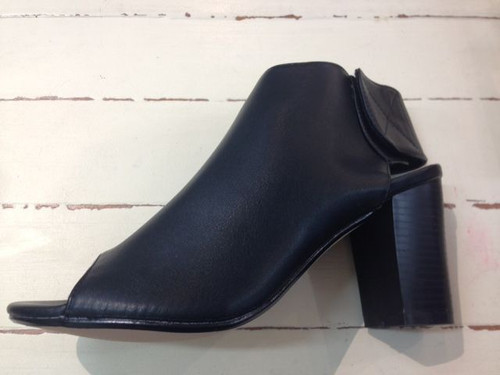 Chunky Heel with plain upper - black - 39