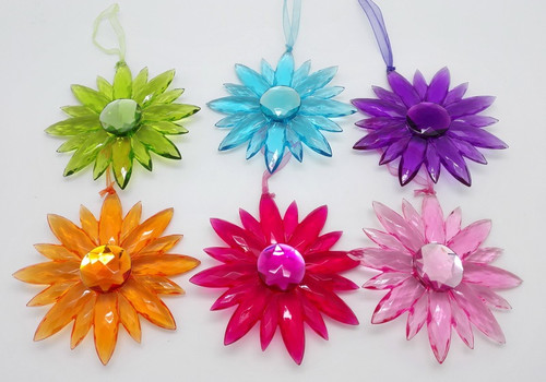 hanging Daisy - acrylic (various colours)