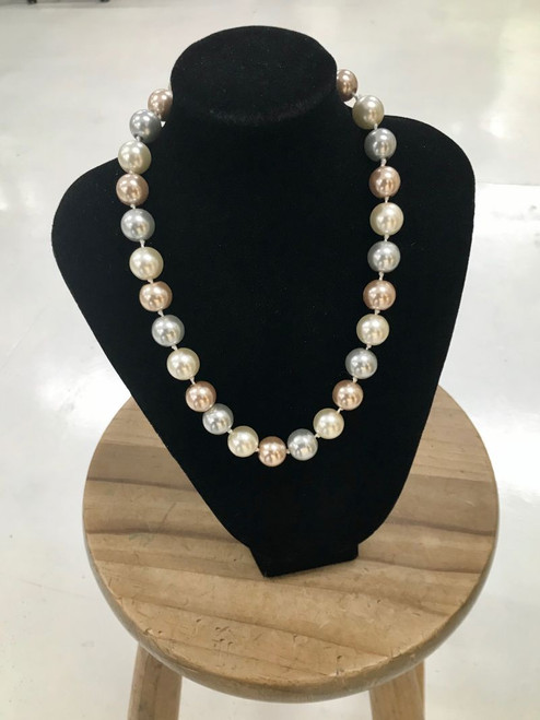 Magnetic Clasp synthetic pearl beads (45cm long)
