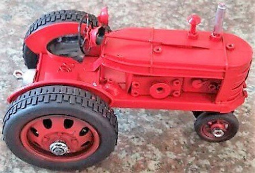 Retro Style Tractor (16cm) - comes in red or green