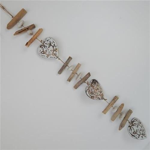 Menya decorative driftwood heart strand