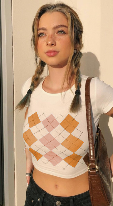 little crop T shirt with diamond lattice pattern  comes in blue or orange and available in M or L
