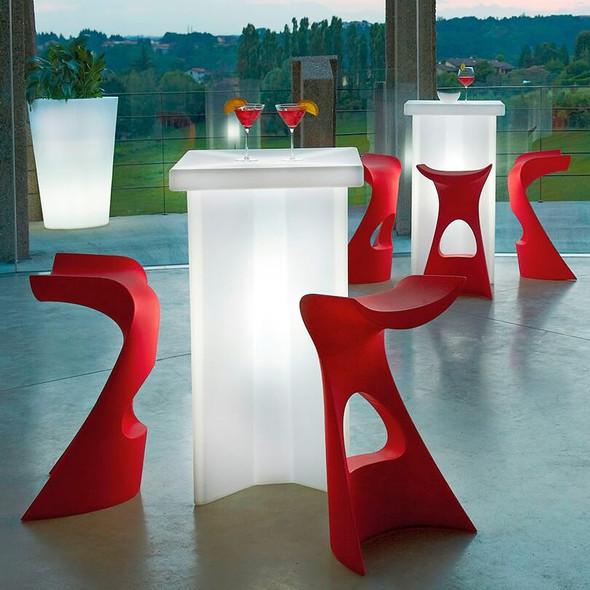 Ice Pod Table Illuminated