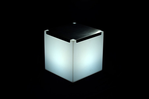Cube Illuminated with Silver Top 17in