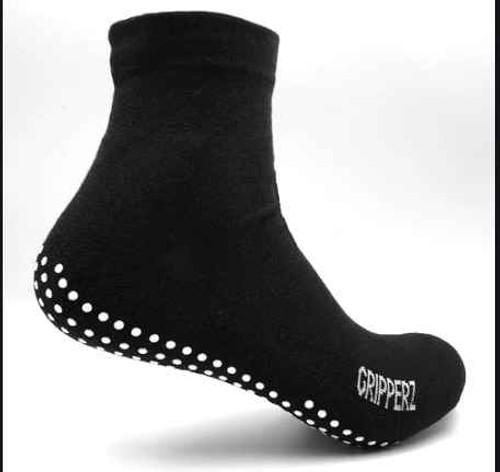 Gripperz Non Slip Maxi Hospital Socks Medium Gripperz SuperPharmacyPlus