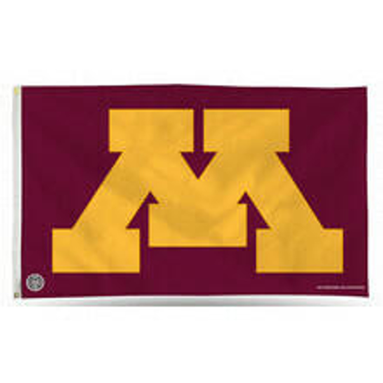 A crimson flag with an emblem of the Minnesota University M logo taking up a majority of the flag.