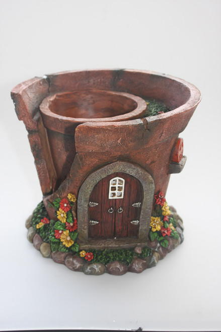 Solar pot plant fairy house