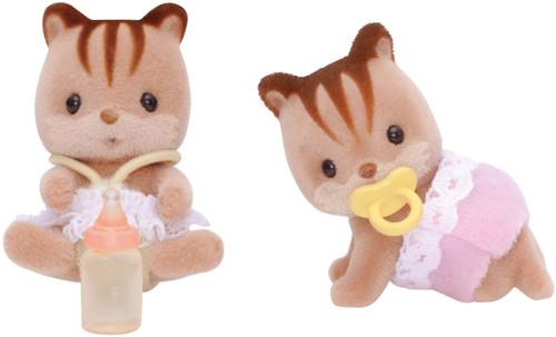 Sf- walnut squirrel twins SF5081