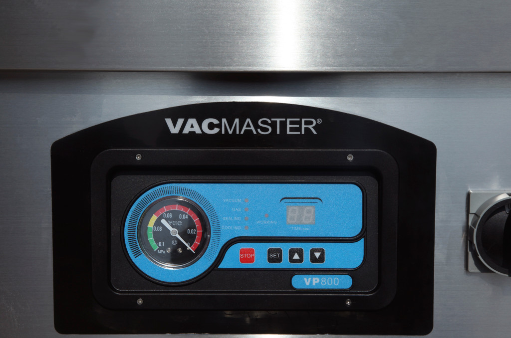 VacMaster VP800 Commercial Double Chamber Vacuum Sealer  Gauge and Control Panel